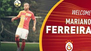 Mariano vestido con la camiseta del Galatasaray