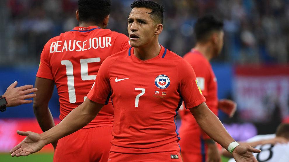 Alexis Sánchez en un partido de la Copa Confederaciones con Chile
