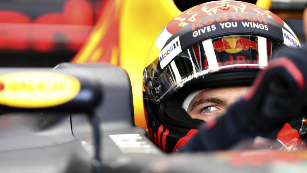 Max Verstappen, al volante del Red Bull en Silverstone