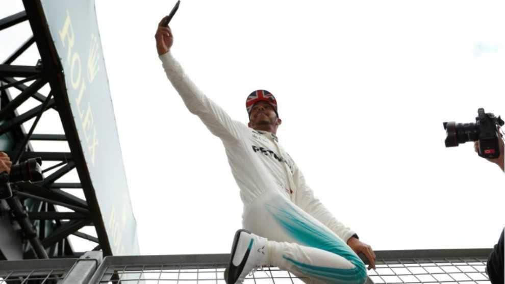 Hamilton, en el circuito de Silverstone