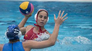 Anna Espar (24), en un partido de la Selección Española de Waterpolo...