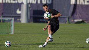 Ivan Rakitic (29), en un entrenamiento del Barcelona