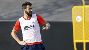 Negredo, durante un entrenamento de esta temporada con el Valencia.