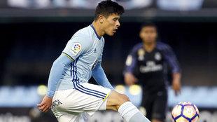 Facundo Roncaglia con el Celta en un partido ante el Real Madrid