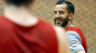 Pau Ribas, durante un entrenamiento de la selección en Benahavís.