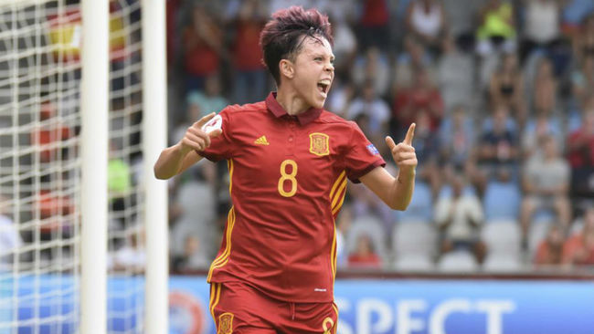 Amanda Sampedro celebra el segundo gol de España ante Portugal.