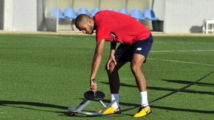 Pizarro, en un entrenamiento del Sevilla.