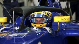 Marcus Ericsson prueba el 'halo' en el pasado GP de México.