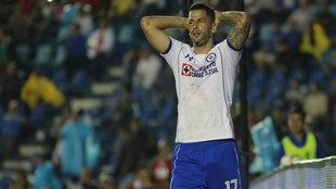 Edgar Méndez sufrió su tercera tarjeta amarilla en la Copa del Rey...