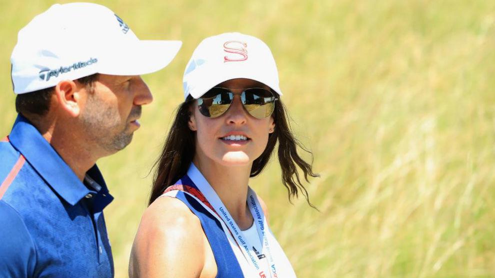 Angela Akins, junto a Sergio García durante el US Open.
