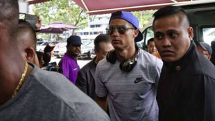 Cristiano Ronaldo a su llegada a Thomson Medical Center, en Singapur.