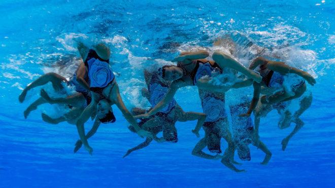 Imagen bajo el agua del equipo español durante la final del combo