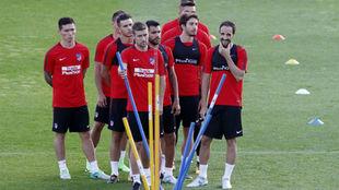 Los jugadores del Atlético en un momento de entrenamiento