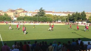 Un momento del amistoso entre Osasuna y Burgos