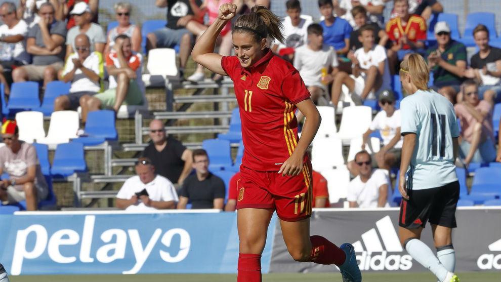 Alexia Putellas celebra un gol ante Bélgica en Pinatar Arena.