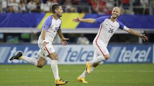 Dempsey celebra el gol del pase a la final de la Copa Oro.