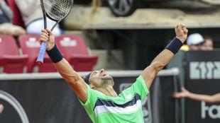David Ferrer, celebra su título en Bastad