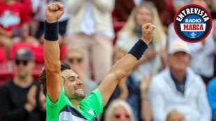 David Ferrer celebra la victoria en la pista
