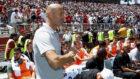 Zidane, antes del comienzo del partido amistoso contra el Manchester...