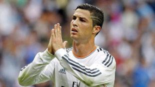Cristiano Ronaldo pide perd�n a la grada del Bernab�u tras marcar un...
