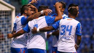 Puebla festeja el gol del triunfo.