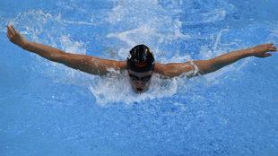 Mireia Belmonte, nadando los 200 m mariposa
