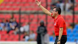 Mario García durante el partido ante Querétaro.