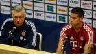 Carlo Ancelotti, junto a James Rodr�guez, en rueda de prensa.