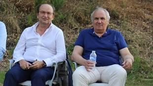 Los presidentes José Castro y Alfonso García vieron el partido...