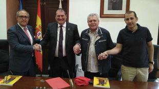 De izquierda a derecha, Germán Robles, César Álvarez, Enzo Ferrero...