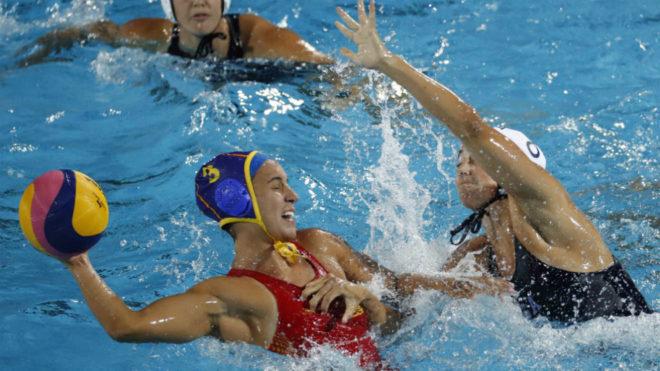 Anni Espar es defendida por la capitana americana Steffens