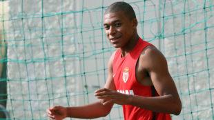 Mbapp� en un entrenamiento con el M�naco.