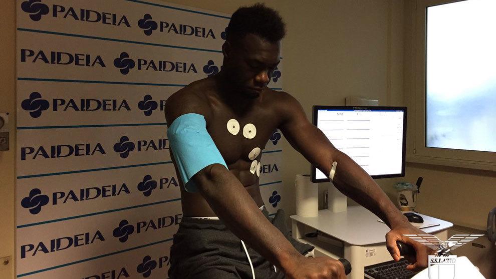 Felipe Caicedo (28), durante la revisión médica en Italia