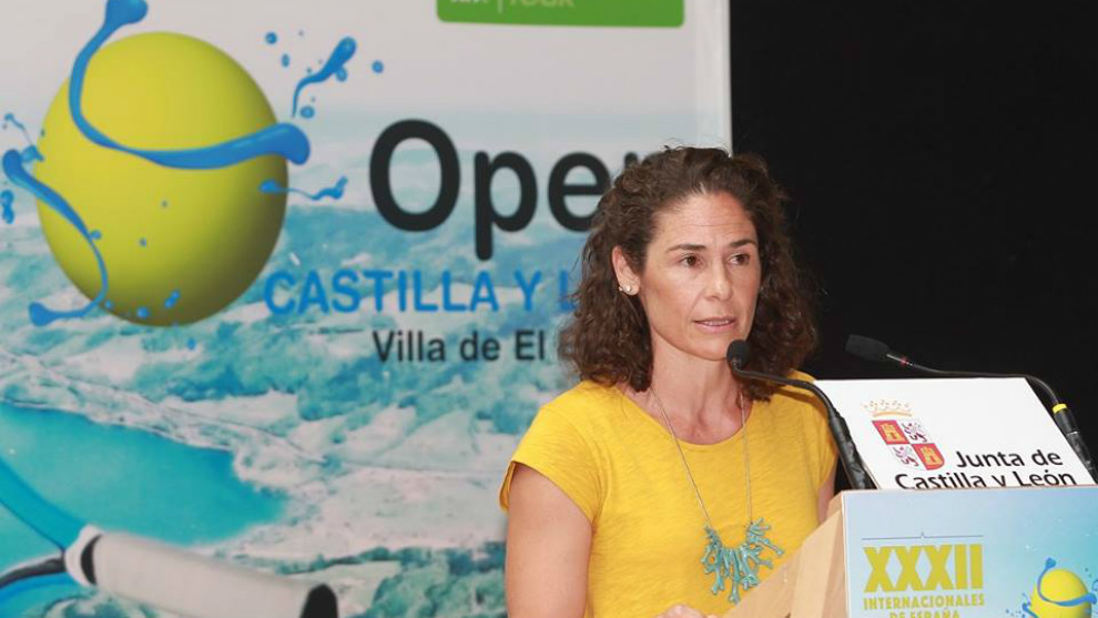 Virginia Ruano toma la palabra durante la presentación del Villa de...
