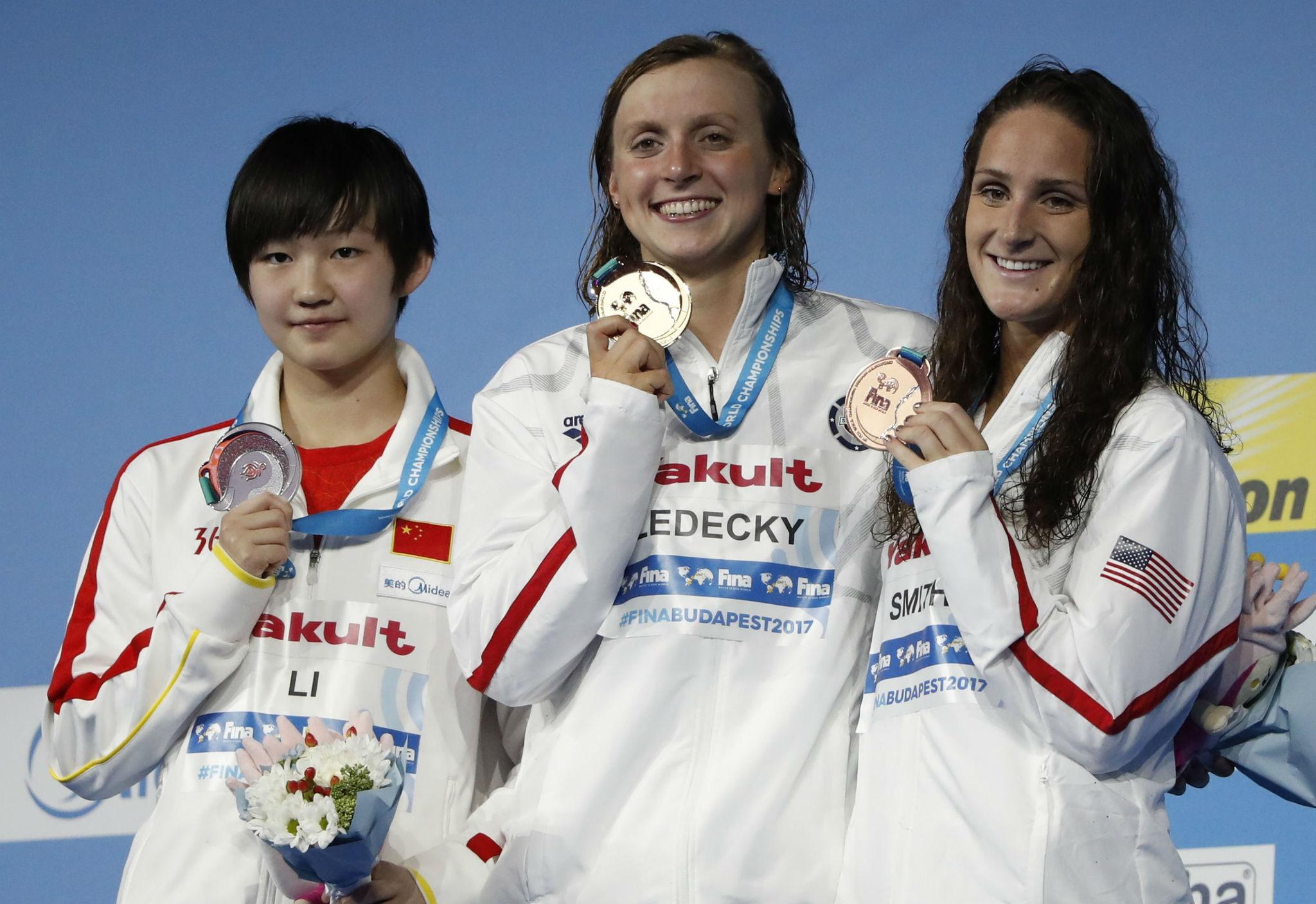 Las medallistas de los 800 libre