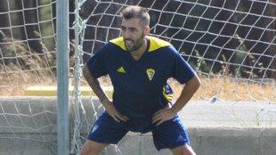 Alberto Perez en un entrenamiento con el Cádiz