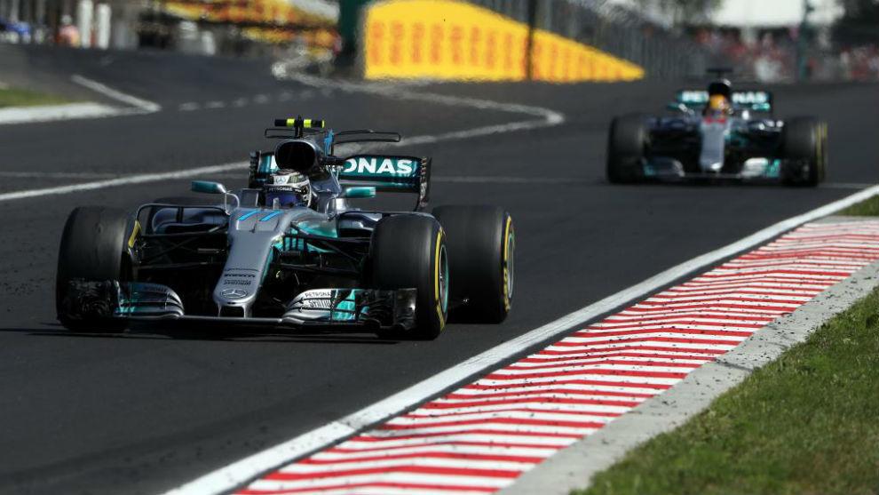Bottas primero y Hamilton detrás, en Hungaroring