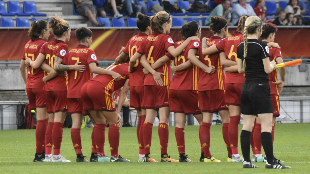 Las jugadoras de la selección española en la tanda de penaltis ante...