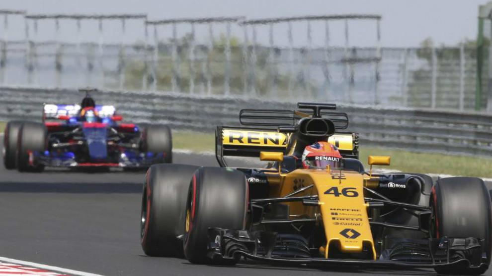 Kubica, con Carlos Sainz detrás