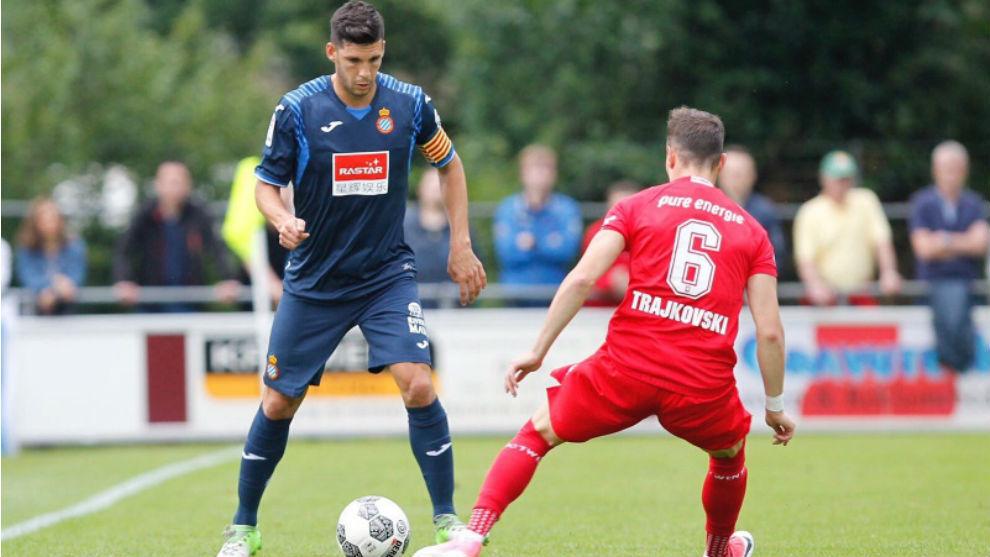 Javi López, contra el Twente.