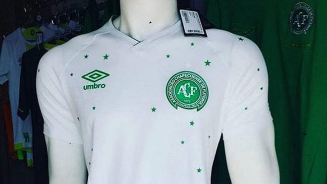 El Chapecoense estrenará una camiseta especial ante el Barcelona ... 055cf26b758