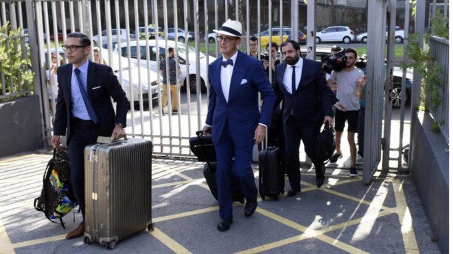 Los representantes legales de Neymar llegan al Camp Nou