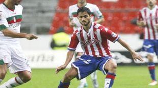 Nacho Cases en un partido con el Sporting
