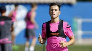 Espinosa, durante un entrenamiento reciente con el Levante