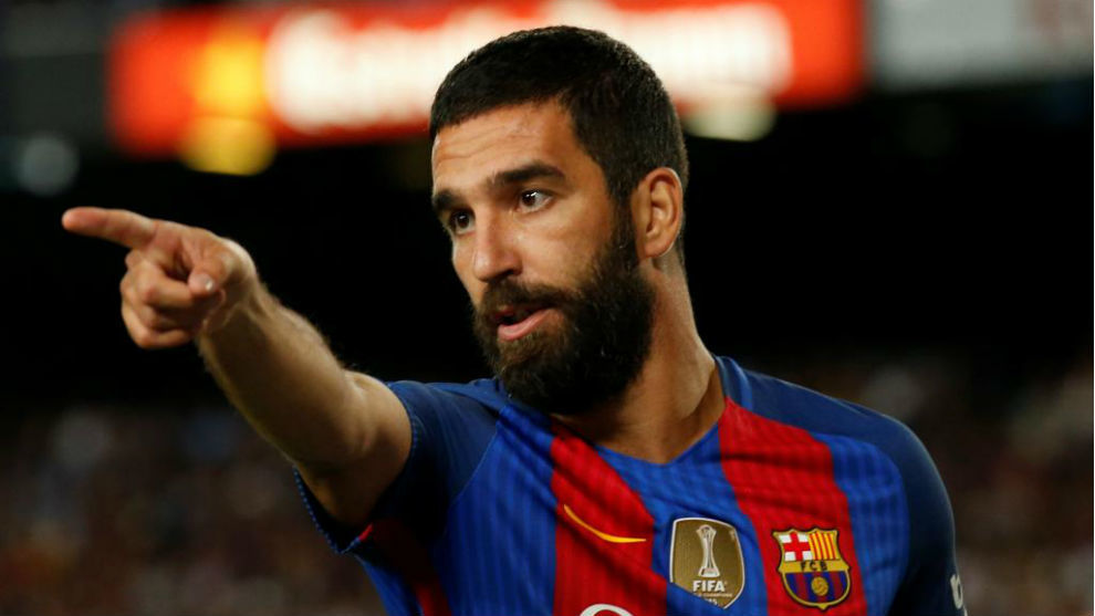Arda Turan wants to leave Barcelona and return to Atletico Madrid