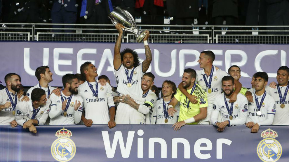 El Real Madrid levantando la Supercopa la temporada pasada.