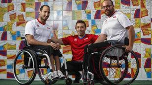 José Manuel Artacho junto a Pablo Zarzuela y Asier García en Río.