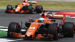 Alonso y Vandoorne, en Silverstone