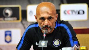 Spalletti durante una rueda de prensa del Inter.