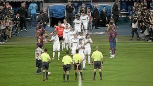 El Barcelona haci�ndole el pasillo al Real Madrid en la temporada...